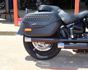 2019 Harley-Davidson FLHCS - Softail Heritage Classic 114