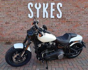 NEW 2019 Harley-Davidson FXFBS Softail Fat Bob 114, in Bonneville Salt Pearl