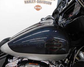 2019 HARLEY-DAVIDSON FLHXSE - CVO CVO<sup>™</sup> Street Glide<sup>®</sup>