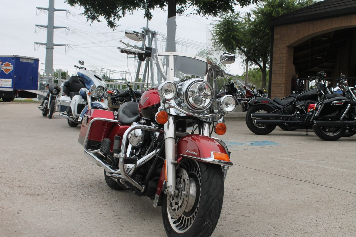 2012 HARLEY-DAVIDSON® Road King® FLHR