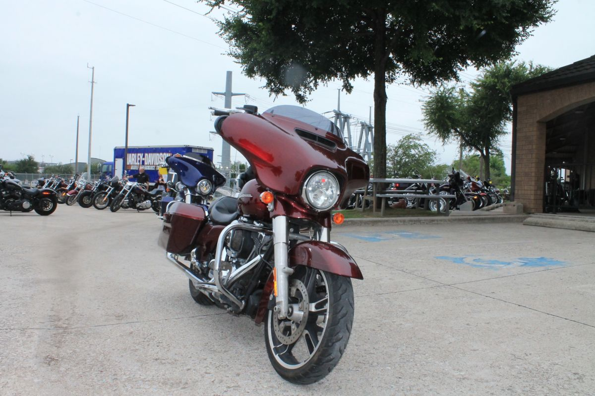 2014 HARLEY-DAVIDSON® Street Glide<sup>®</sup> Special FLHXS