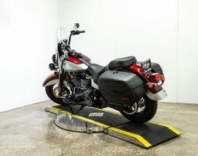 2019 Harley-Davidson® FLHCS Heritage Classic 114