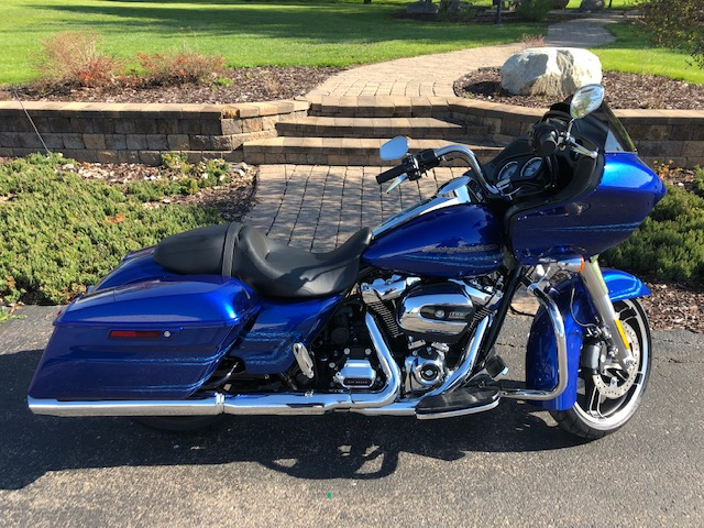 2019 Road Glide Factory Custom paint Blue Max