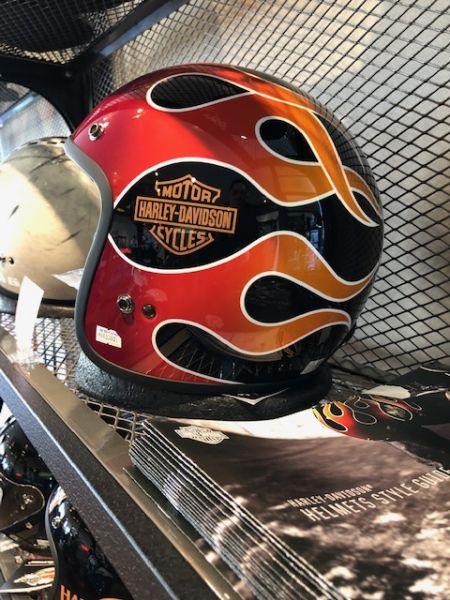 HD純正ヘルメットをプレゼントです♪