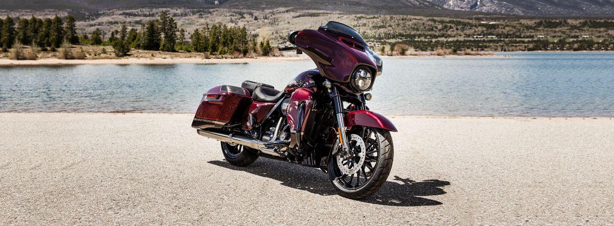 2019 Harley-Davidson FLHXSE C.V.O.<sup>™</sup> Street Glide<sup>®</sup>