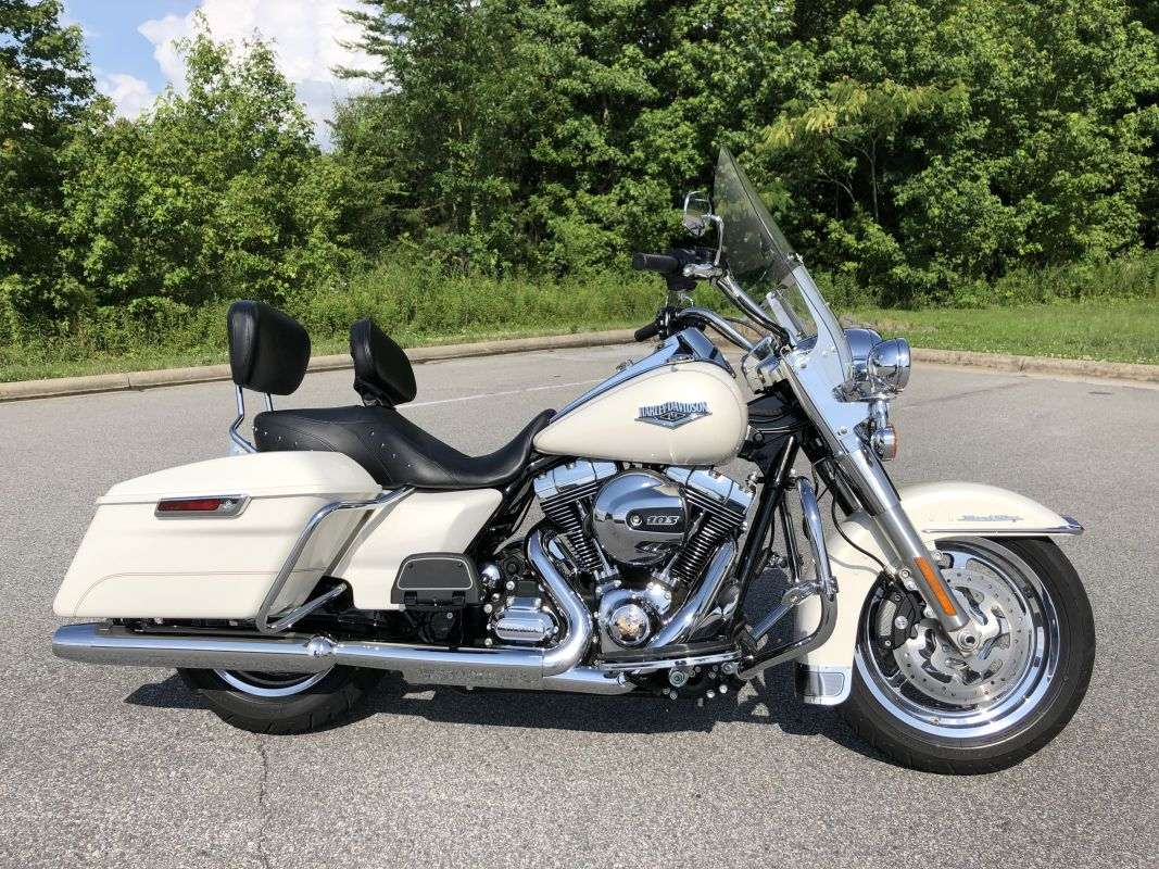 2015 HD FLHR - Touring Road King<sup>®</sup> Classic
