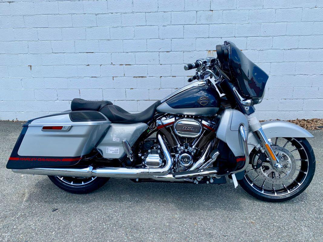 2019  Harley-Davidson® CVO™ STREET GLIDE®