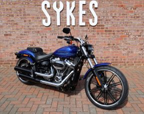 *NEW* 2019 Harley Davidson FXBRS Softail Breakout, in Blue Max
