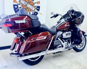 2019 Road Glide Ultra in Twisted Cherry