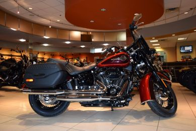 2019 Harley-Davidson FLHCS Softail Heritage Classic 114