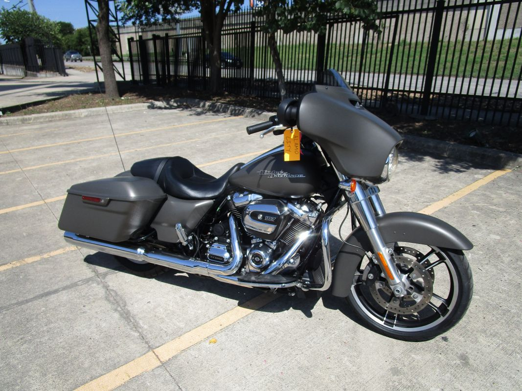 2018 HD FLHX - Touring Street Glide<sup>®</sup>