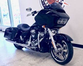 2019 Road Glide in Vivid Black