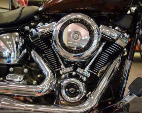 2019 Harley-Davidson Deluxe FLDE