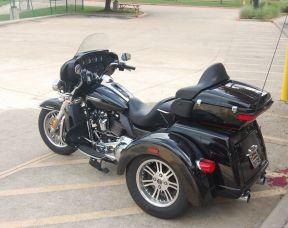 2018 Harley-Davidson FLHTCUTG Tri Glide<sup>®</sup> Ultra