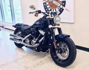 2019 Softail Slim in Billiard Blue