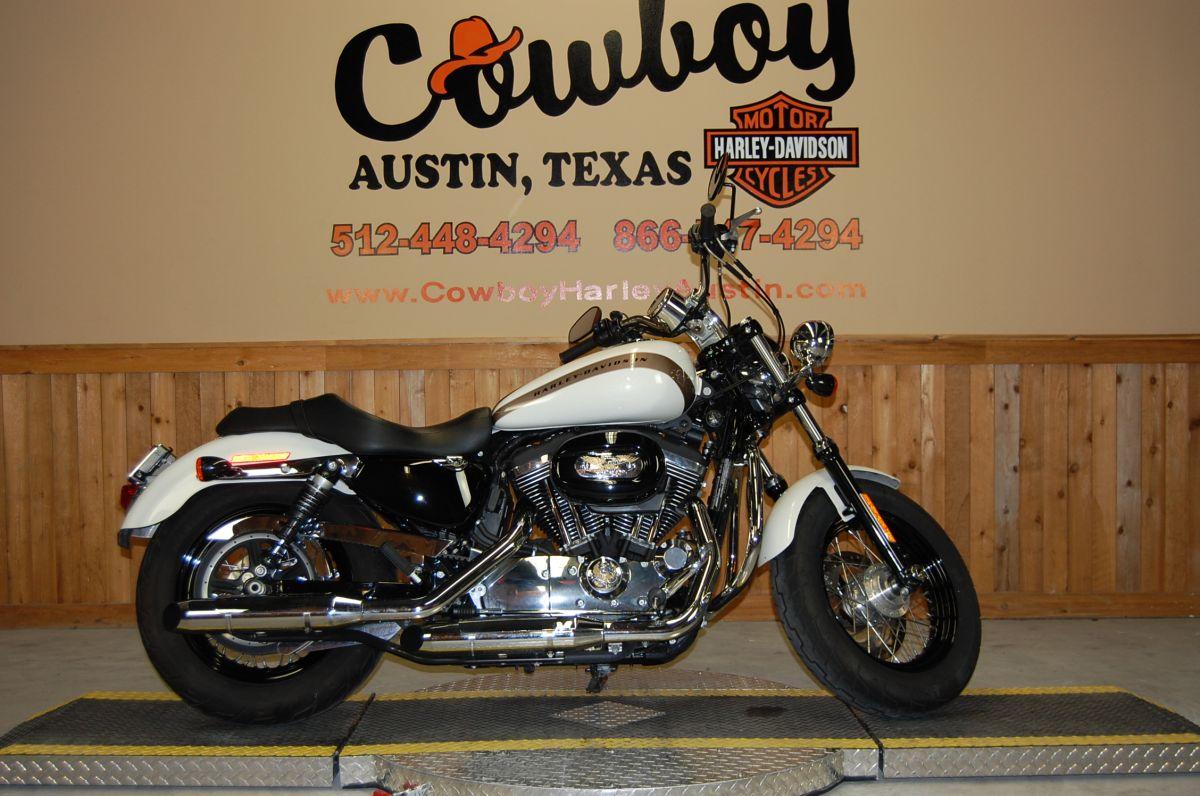 2018 Harley-Davidson® XL1200C Sportster® 1200 Custom