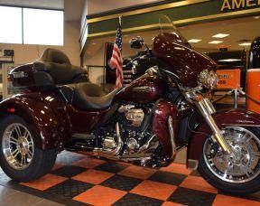 2019 Harley-Davidson Tri Glide Ultra FLHTCUTG