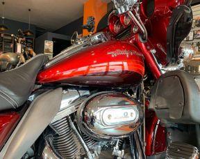 Harley-Davidson FLHTCUSE4 CVO Electra Glide
