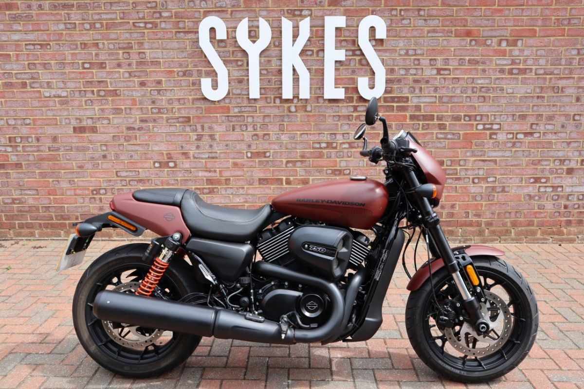 2018 Harley-Davidson XG750A, Ex-Demo Street Rod in Red Iron Denim
