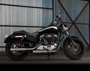 2018 Harley-Davidson XL1200C Sportster 1200 Custom