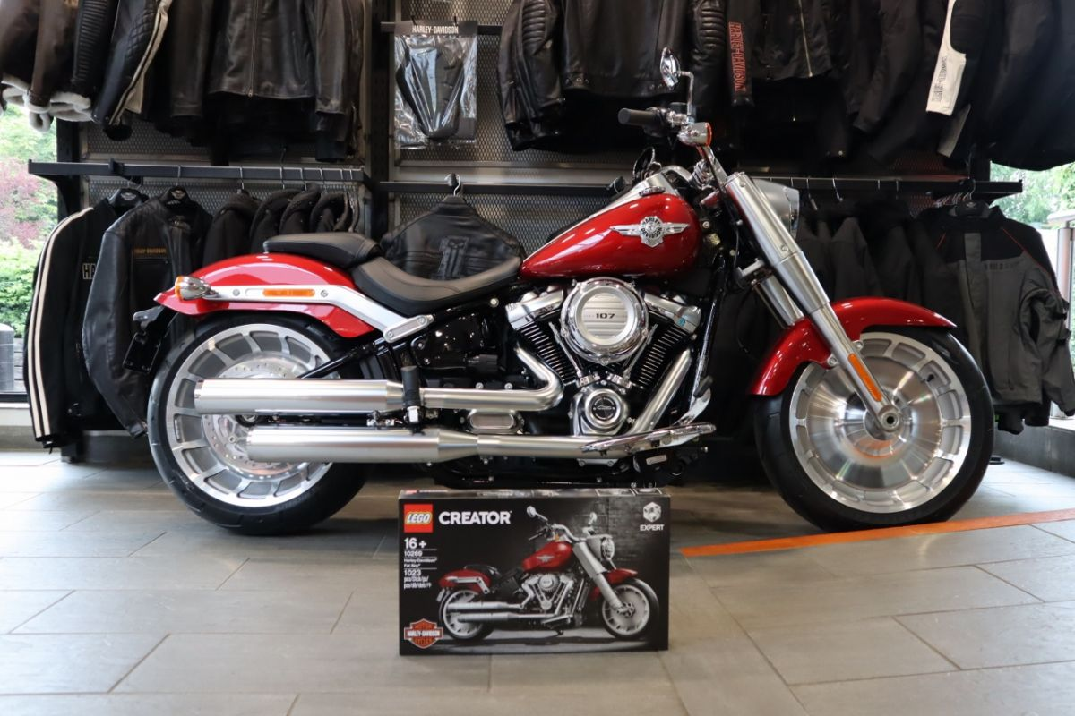 NEW 2019 Harley-Davidson FLFB Softail Fat Boy 107, in Wicked Red FREE LEGO KIT