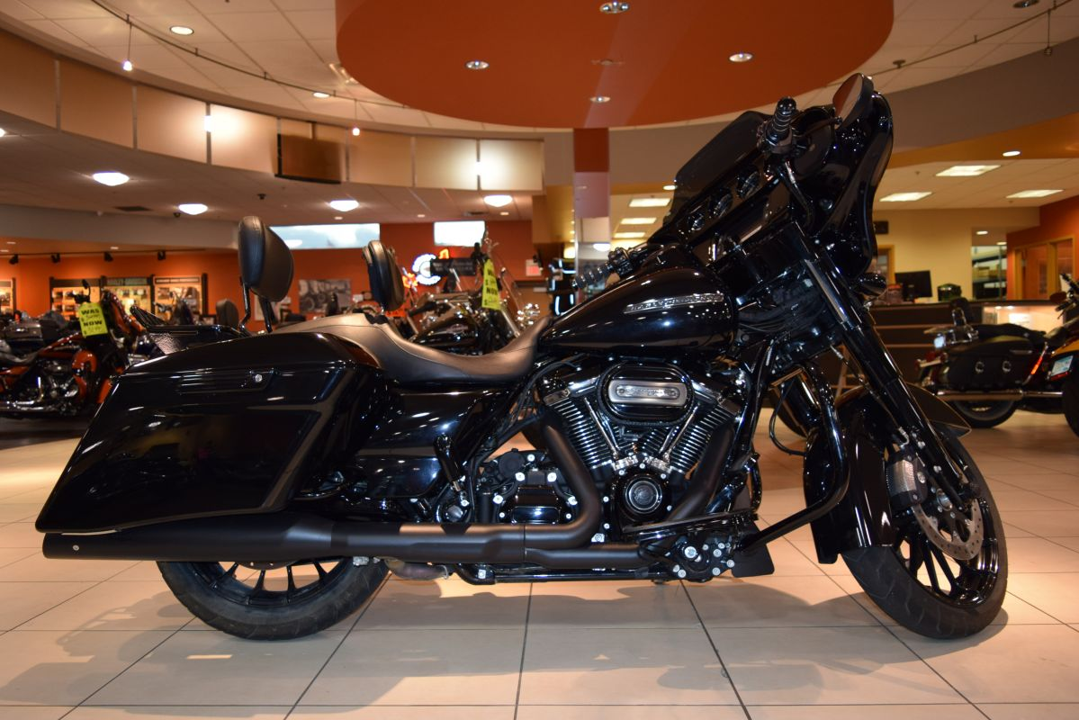 2018 Harley-Davidson Touring FLHXS Street Glide Special