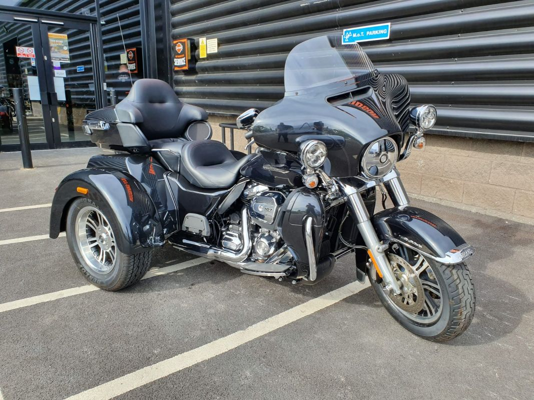 Harley Davidson Tri Glide >> 2018 Harley Davidson Tri Glide Ultra Flhtcug 107 1745cc