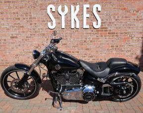 2014 Harley-Davidson FXSB Softail Breakout, Stage One, in Vivid Black