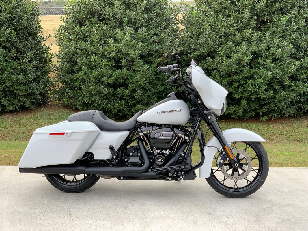 2020 Street Glide Special  - BARS AND MORE!!