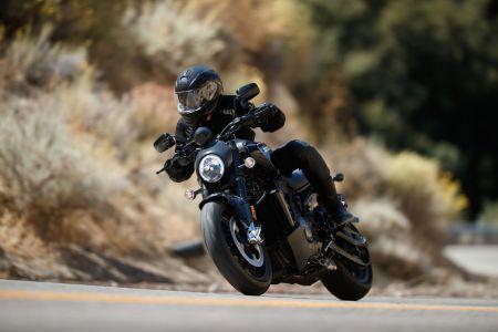 Harley-Davidson 2020. gada adventure un streetfighter modeļi debitē ar jauniem Revolution Max dzinējiem