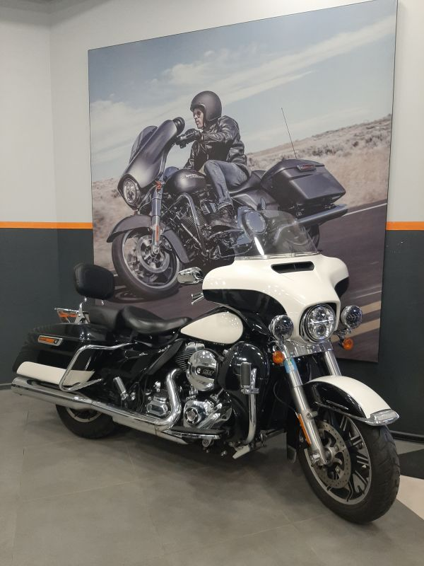 2015 Electra Glide Police