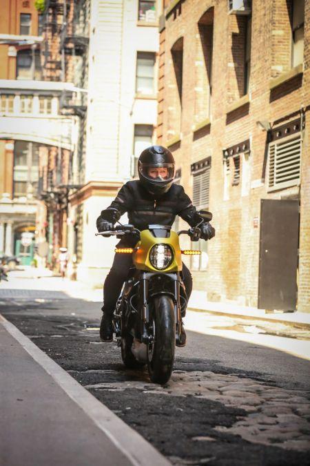 HARLEY-DAVIDSON PREDSTAVUJE  NOVÉ MODELY A TECHNOLÓGIE 2020  Na trh prichádza nový elektrický motocykel LiveWire™  a vracia sa legendárny model Low Rider® S