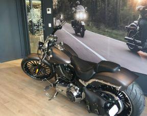 Harley Davidson softail Breakout