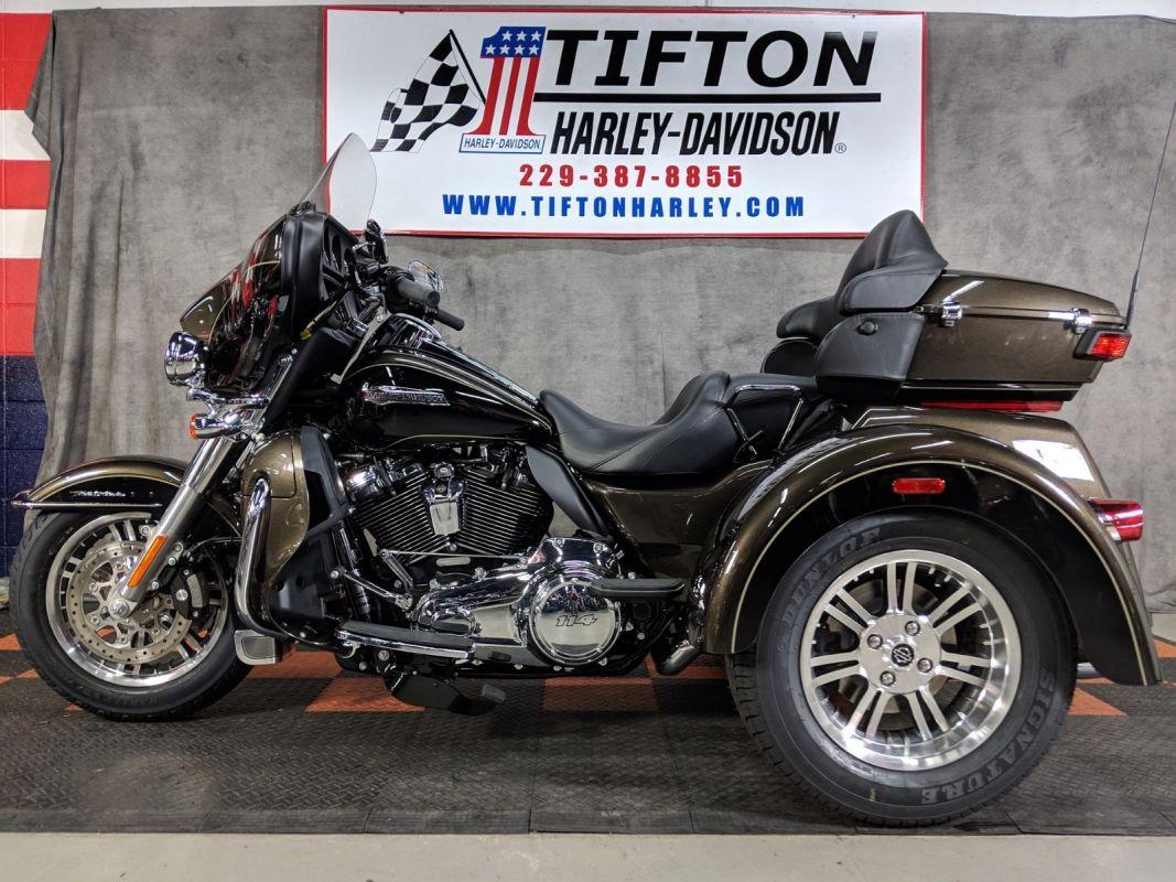 HD Trike Tri Glide Ultra Classic 2014 Poster