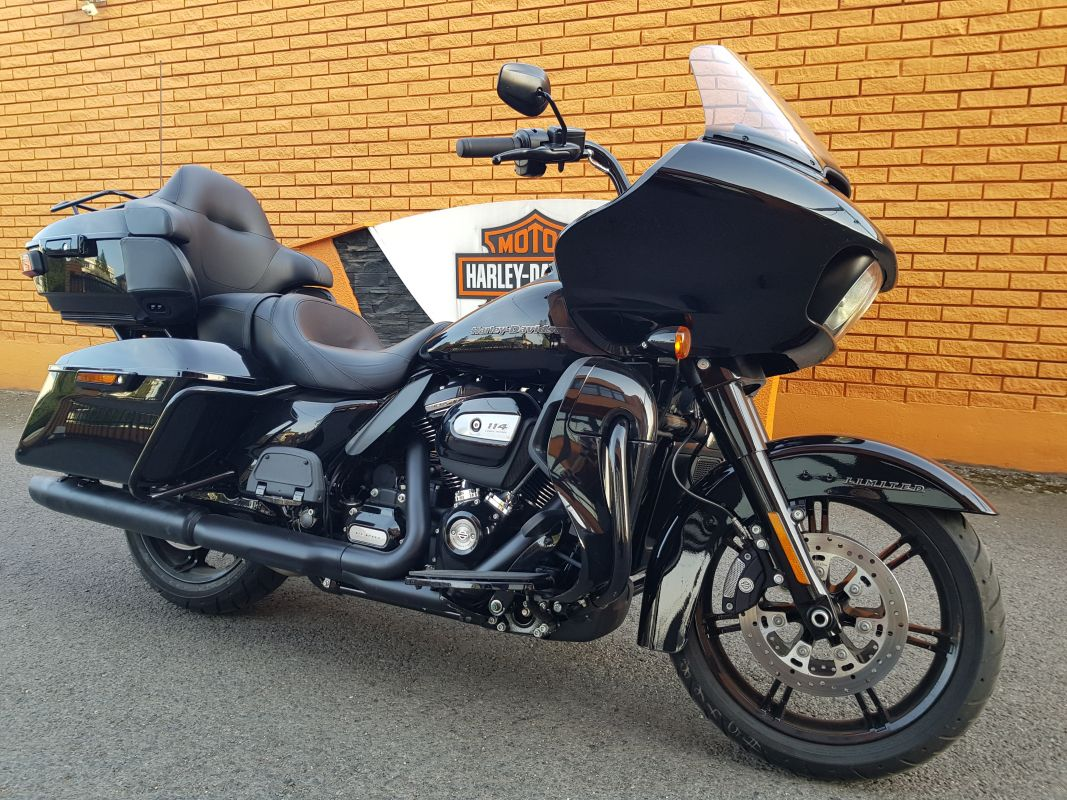 2020 Road Glide Limited – Black Option